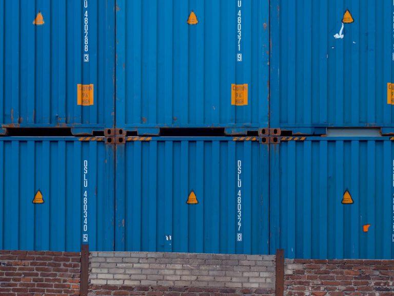 Jak przerobić kontener morski na dom?